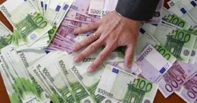 Angajatorul din mediul privat va fi obligat să menţină nivelul salariului brut