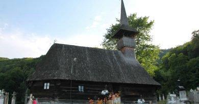 Biserica venită pe apele Mureșului
