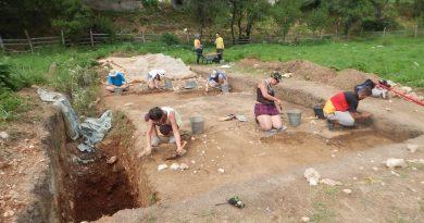 Arheologii au descoperit cum trăiau dacii din zona cetăţii Piatra Roşie