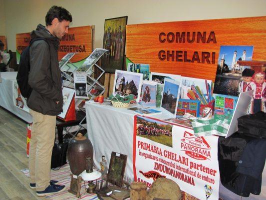 Tinerii, interesați de revigorarea satelor pădurenești.