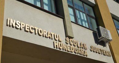 PESTE 200 DE PROFESORI HUNEDORENI, TITULARIZAȚI