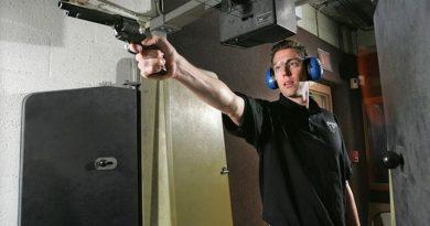 START UP hunedorean cu arme letale și gloanțe adevărate