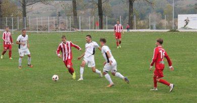 Șirineasa, echipa de fotbal a Petroșaniului, poate deveni campioană de toamnă cu anticipație