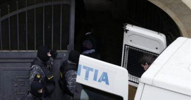 Poliţiştii petroşăneni au făcut razii în mediile cu risc criminogen