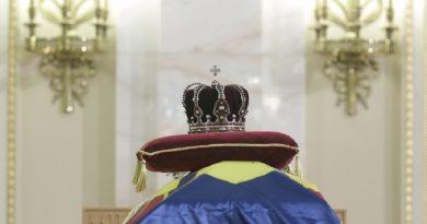 Trei zile de doliu naţional, începând de astăzi, în memoria regelui Mihai