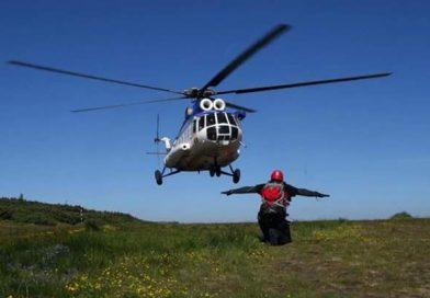 Salvamontiștii și un elicopter SMURD intervin în munții Retezat