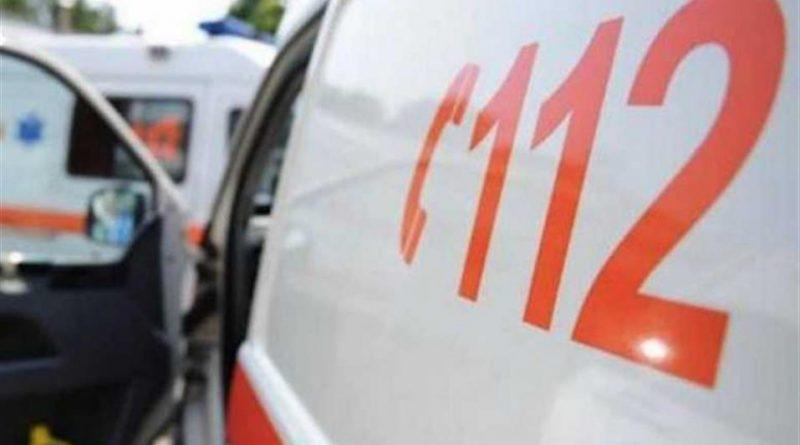 Accident rutier pe drumul DJ 687A. Două femei rănite au fost transportate la spital