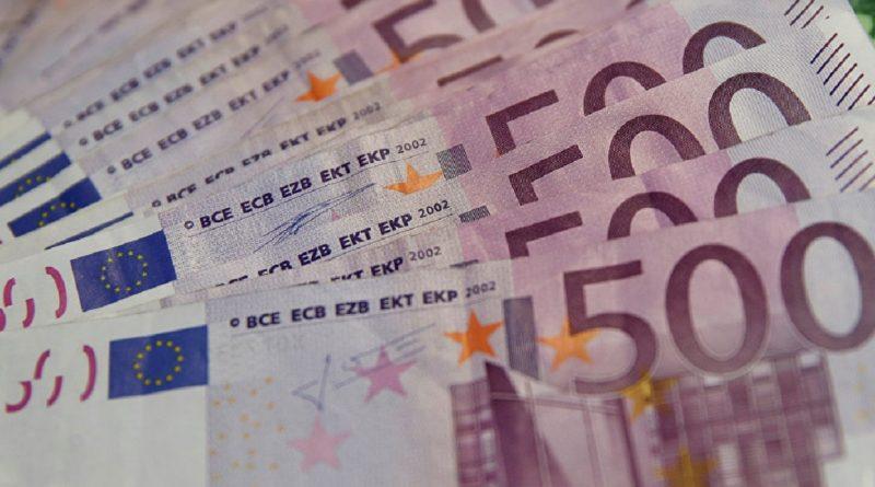 Euro atinge un nou nivel record