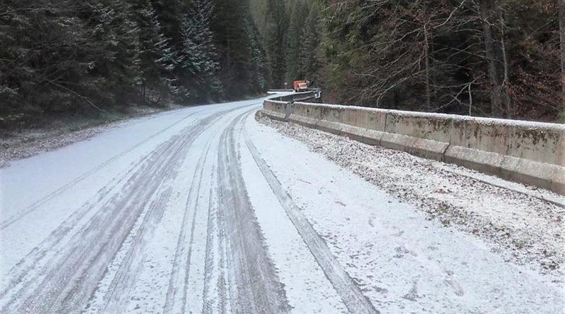 Prima zăpadă la granița județului Hunedoara