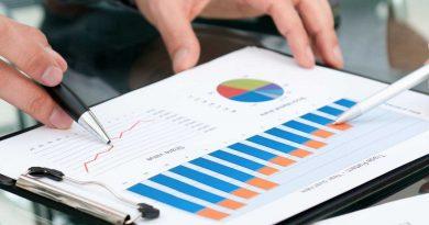 INS: Cel mai mare număr mediu de salariaţi s-a înregistrat anul trecut în sectorul serviciilor de piaţă, peste 35% din total
