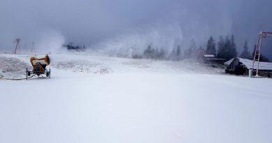 Iarnă în stațiunile montane din Valea Jiului