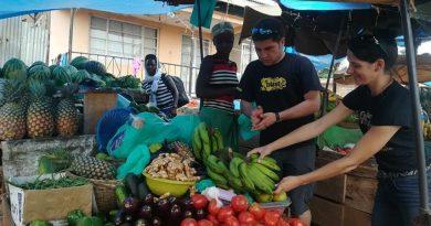 """Românii din Uganda, """"muzungu"""" de lângă Carpaţi (GALERIE FOTO)"""