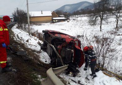 Accident pe DN7, la Vețel. Un microbuz și patru autoturisme implicate