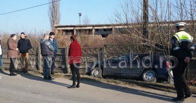 Accident rutier între Deva-Hunedoara. Mașina a căzut în șanțul de pe marginea drumului