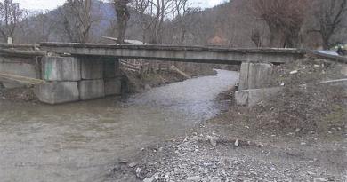 Mai multe drumuri și poduri din comuna Densuș vor fi modernizate