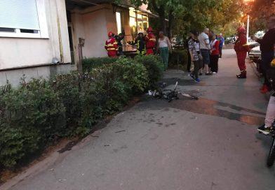 Incendiu pe casa scării unui bloc din Deva