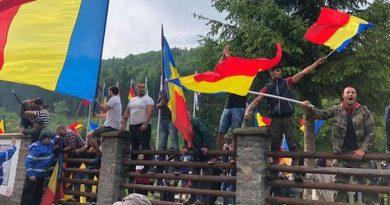 Valea Uzului de băț băgat prin gard