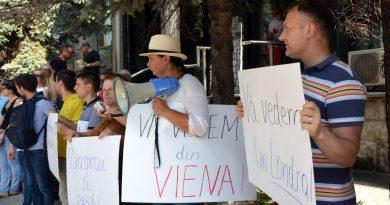 Numărul românilor din Diaspora care vor să se întoarcă în țară, în scădere față de 2017