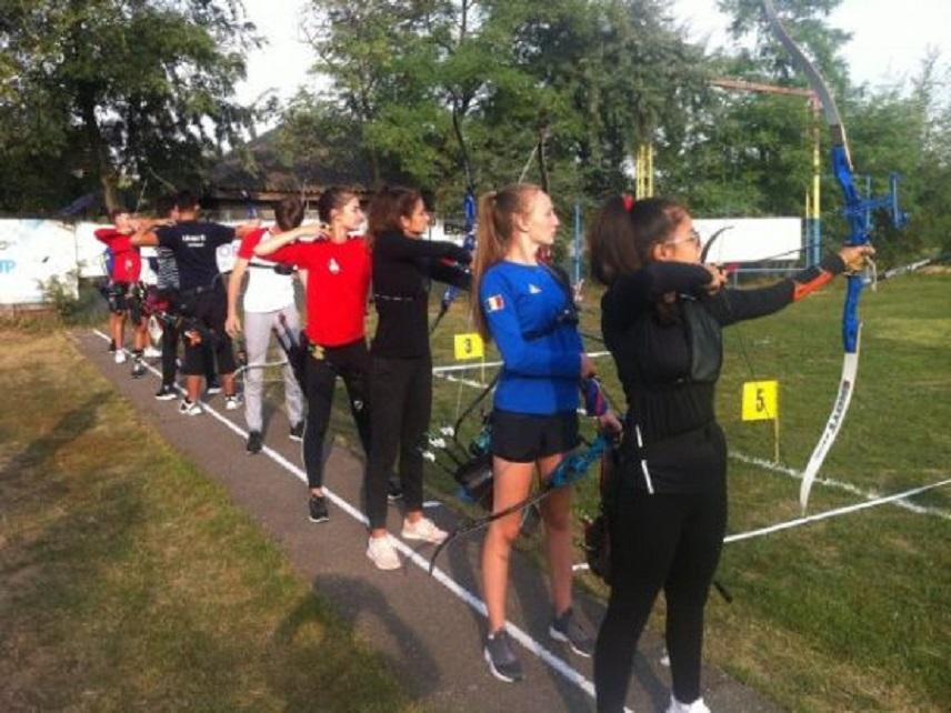 Arcașii hunedoreni, la campionatul național de tir cu arcul