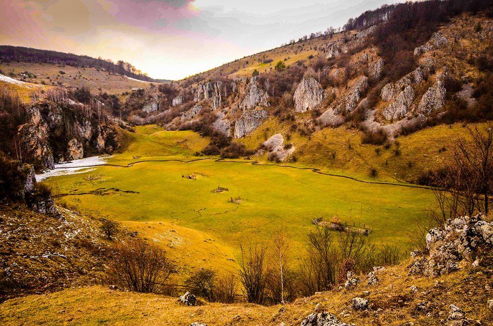 Fundătura Ponorului şi Poiana Omului, locurile uitate de timp ale Şureanului | GALERIE FOTO