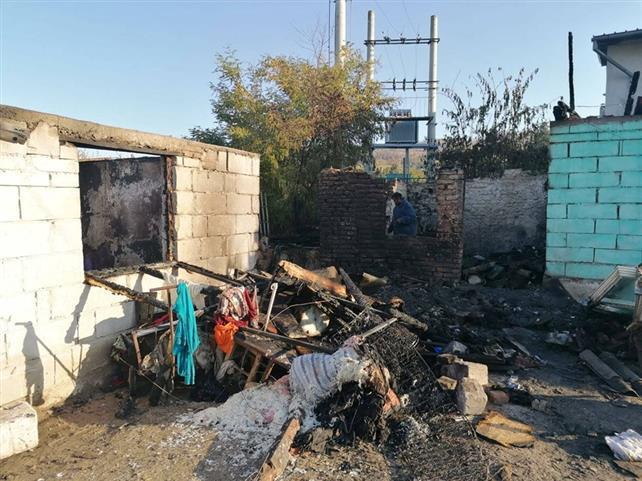 În prag de iarnă au rămas fără case din cauza unui incendiu