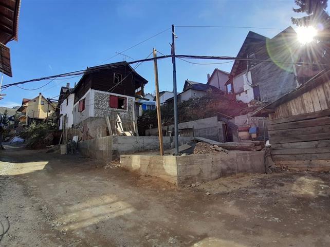 Afacerile PSD-iste păgubesc bugetul județului Hunedoara
