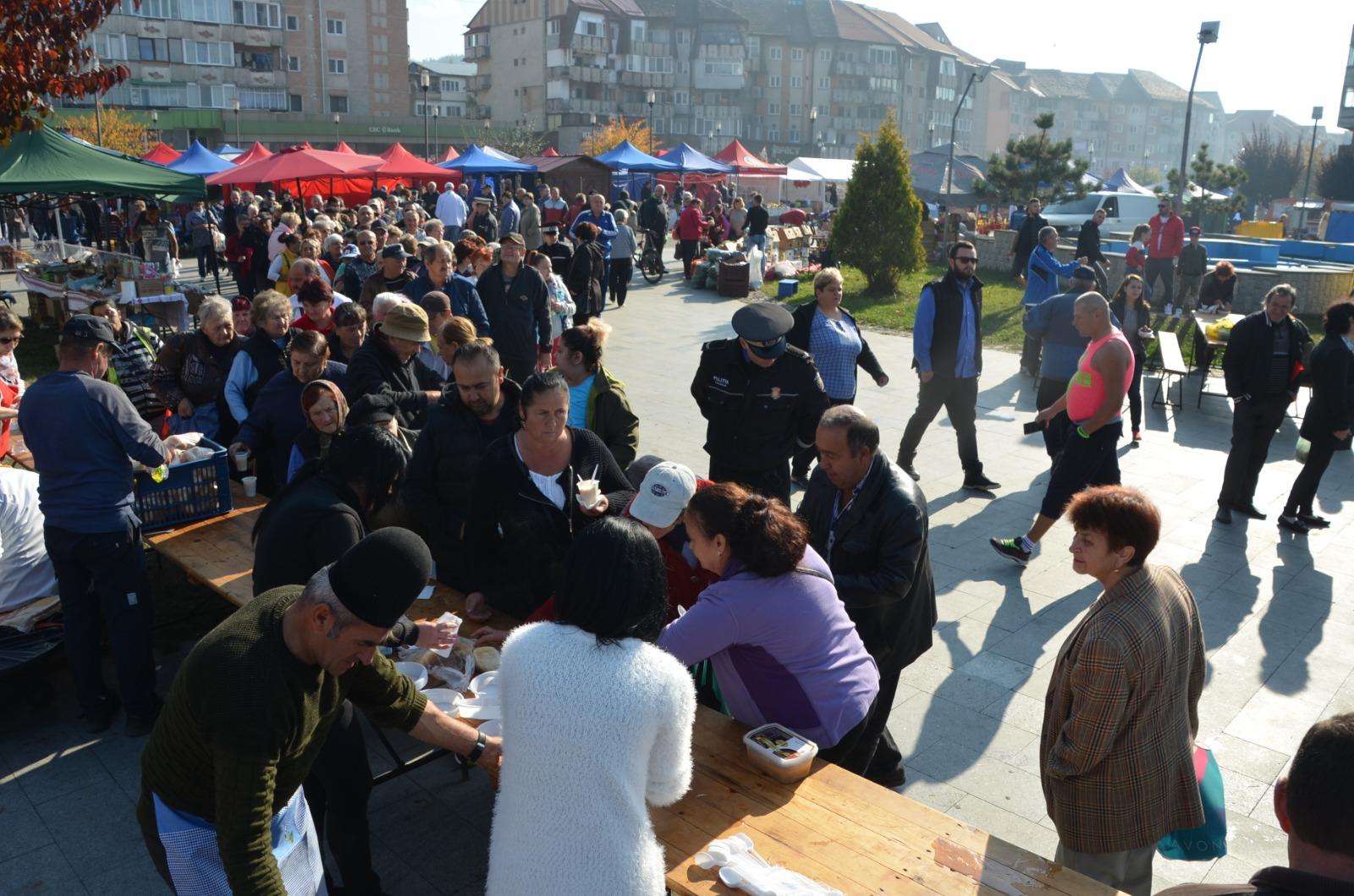 Preparate strămoșești au înmiresmat Petroșaniul (FOTO)