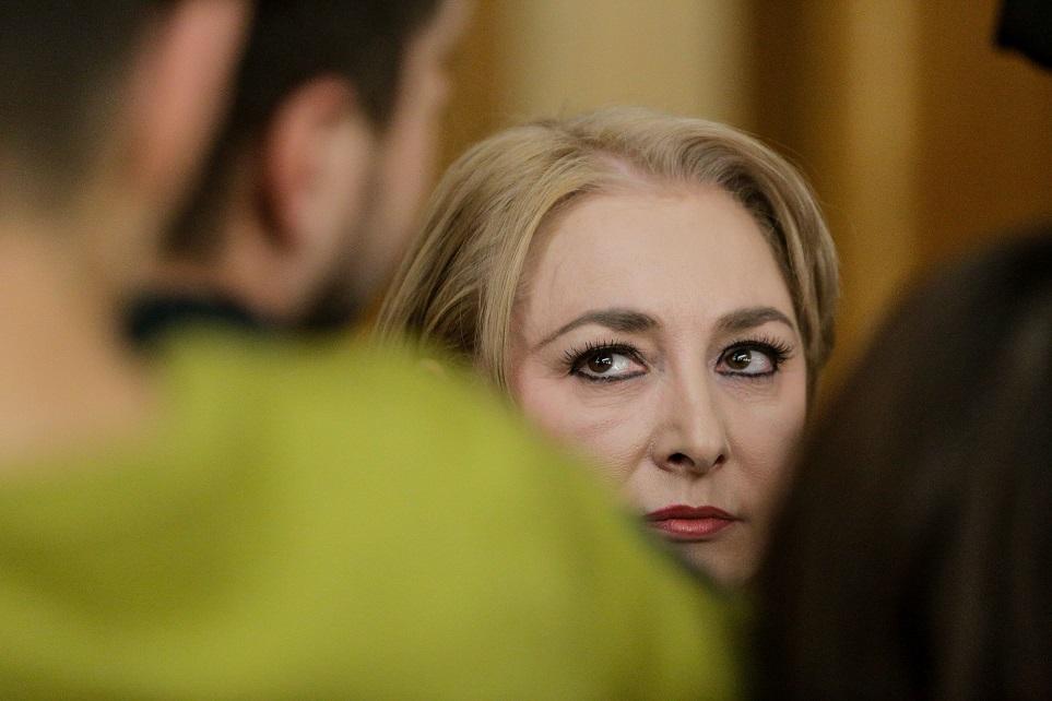 MINIEDITORIAL: Viorica și neputința PSD de-a face analfabetismul cale regală