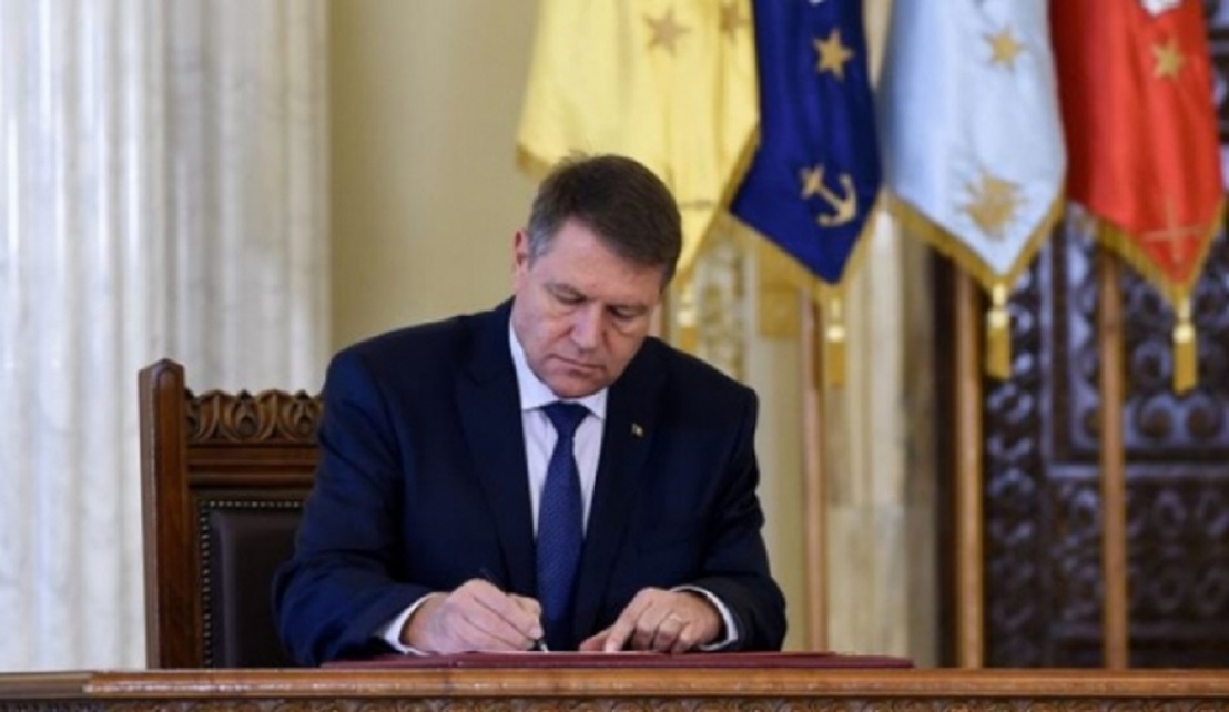 Legea care acordă noi drepturi oamenilor persecutaţi politic, celor deportaţi sau luaţi prizonieri, promulgată de Președinte