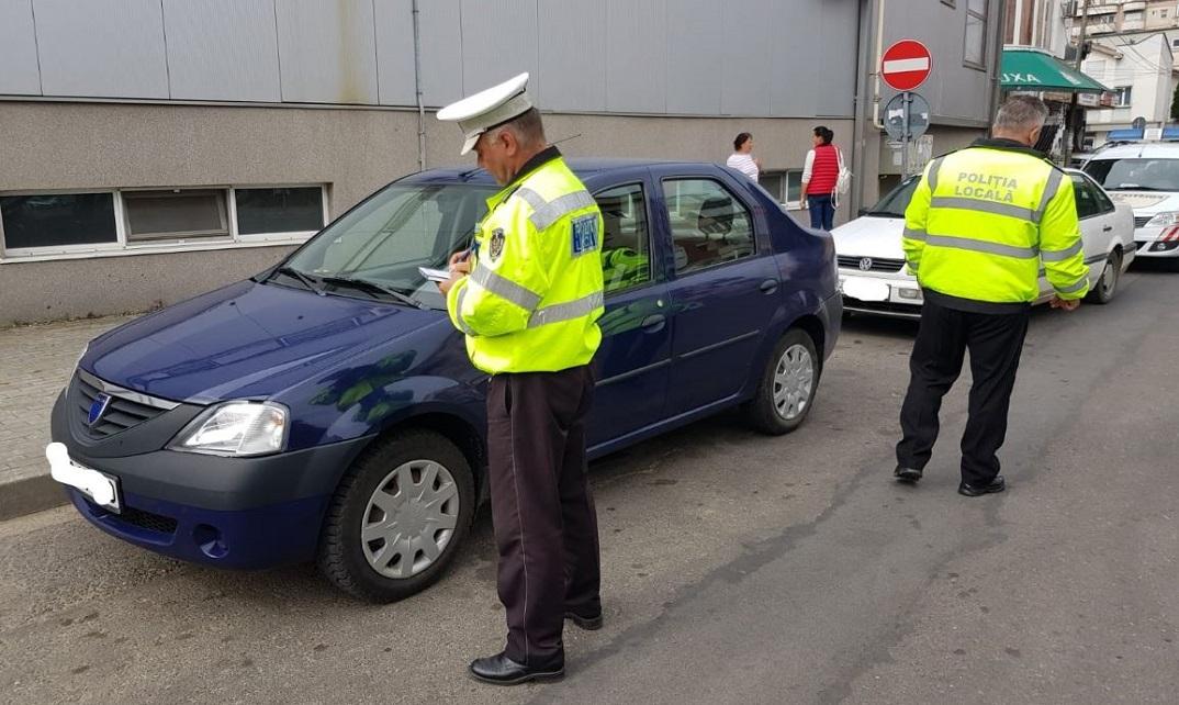 Şoferii ar putea să nu mai fie obligaţi să le prezinte poliţiştilor poliţa RCA în varianta pe hârtie, fiind suficientă varianta electronică