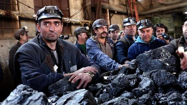 Minerii primesc bani pentru salarii compensatorii și reconversie profesională
