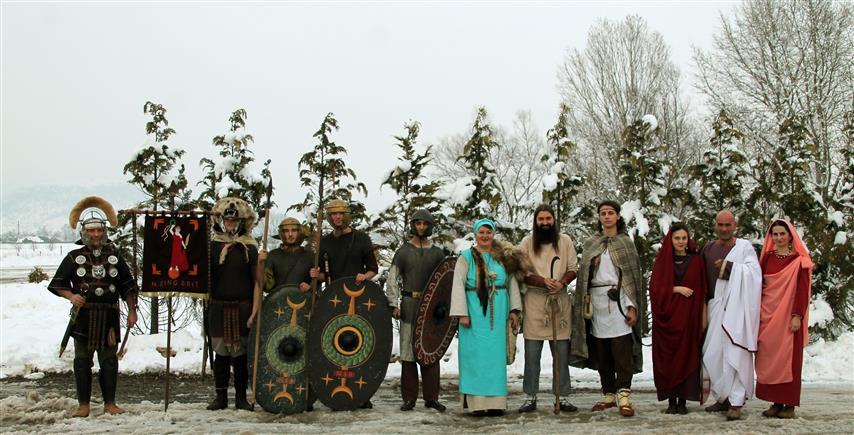 """Sărbătorile dacilor şi romanilor, """"părinţii"""" Crăciunului de azi"""