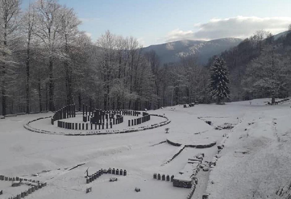 Iarnă la Sarmizegetusa Regia