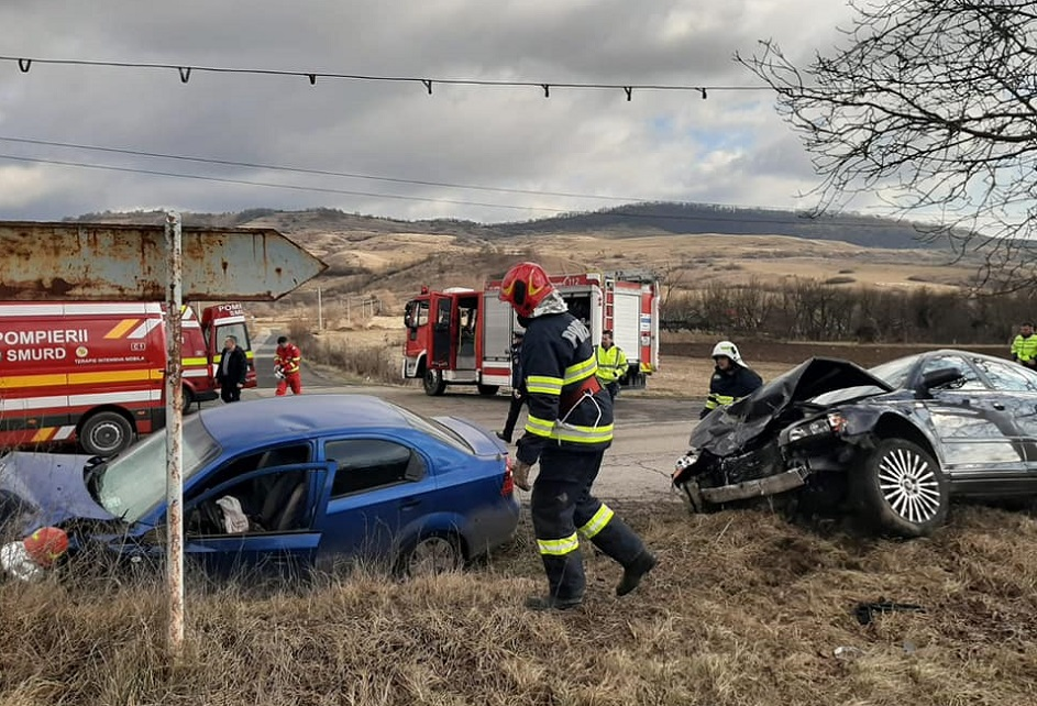Accident rutier soldat cu patru răniți, pe drumul judeţean 761