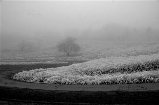 Vreme închisă și frig în zonele joase, cer senin la munte