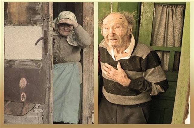 """Lacrimi pentru bunici plecaţi. Campania """"Ajută satul"""" a câştigat doi îngeri (GALERIE FOTO)"""