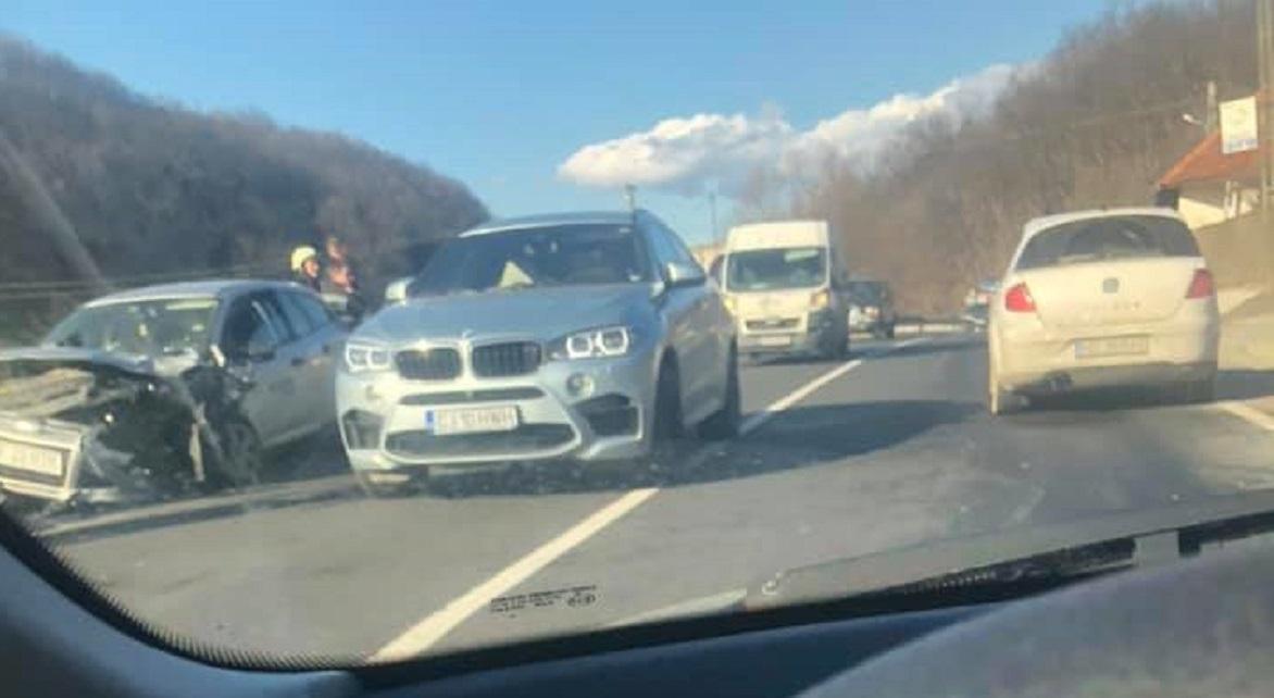 Accident rutier pe DN76, la Luncoiu de Jos. Două victime au fost transportate la spital