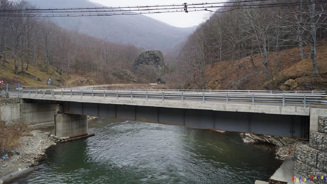 Licitație anulată pentru podul de la Lainici