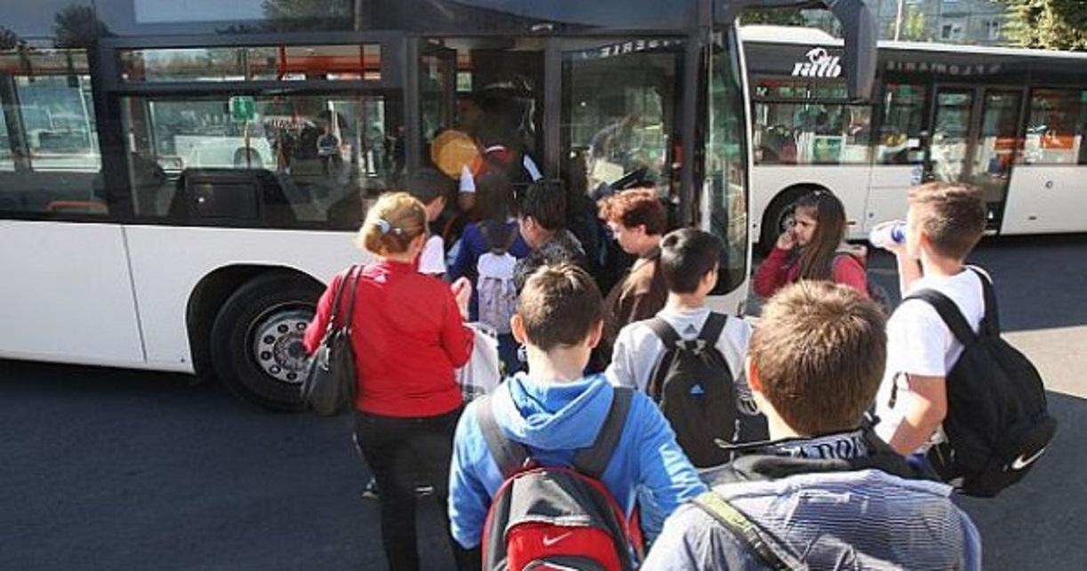 Turcan: Elevii vor circula spre şcoală doar pe baza carnetului de elev