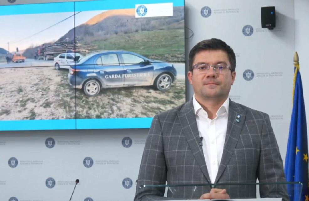 Ministrul Mediului, Apelor şi Pădurilor, Costel Alexe ...  |Costel Alexe