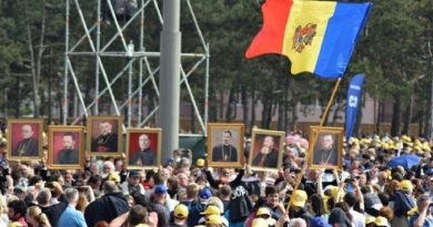 """""""Să mergem împreună!"""" Crâmpei de """"cronică"""" hunedoreană, la un an de la vizita Sfântului Părinte Papa Francisc, în România"""