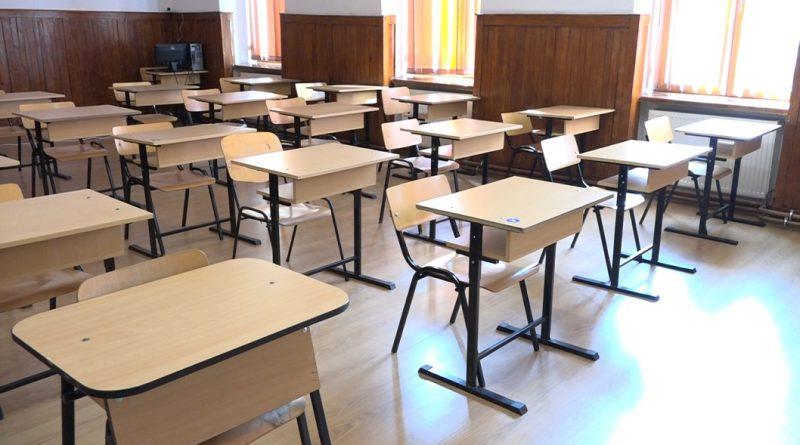 Aproape 90.000 de absolvenţi ai clasei a VIII-a au fost admişi în învăţământul liceal de stat în prima etapă de repartizare computerizată