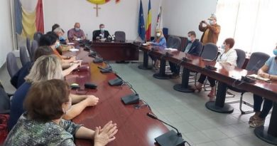 Școlile din Petroșani nu au scris proiecte pentru dotarea cu echipamente. Primarul dă ultimatum!