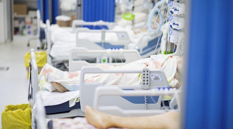Asistenţa religioasă şi vizita familiei, permise pentru pacienţii COVID-19 în stare gravă