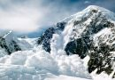 Pericol de avalanșe în masivele muntoase din județ