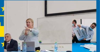 """La alegerile din PNL municipiul Hunedoara s-a reușit o victorie din care a pierdut toată lumea.  Cu Carmen Hărău """"maestru de ceremonii"""", Lucian Gherman și-a înghițit """"victoria"""" cu noduri"""